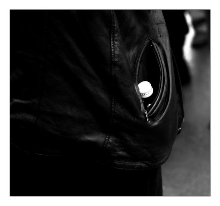 tsuica dans la poche