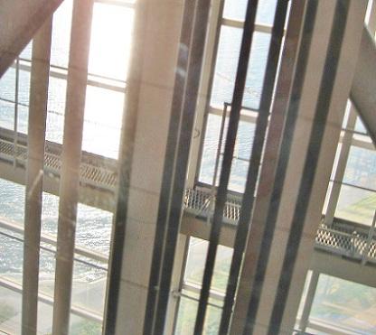 スケルトンエレベーター