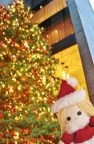 銀座ミキモトさんのクリスマスツリーです