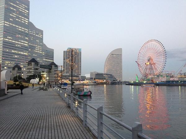 みなとみらい・日本丸メモリアルパークからの夕景