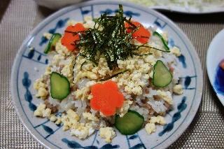 そぼろと卵のちらし寿司