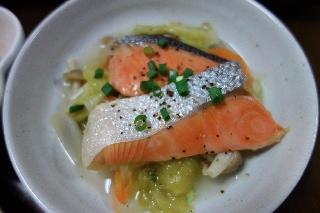 塩鮭とキャベツの蒸し煮0424
