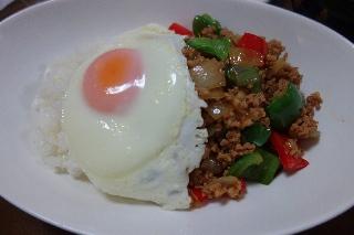 ひき肉バジルご飯0507