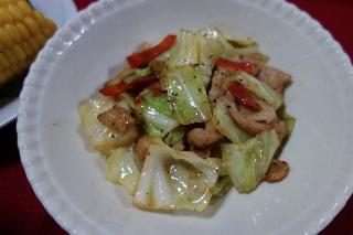 豚肉とキャベツの塩麹炒め