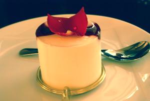 鎌倉雪ケーキ