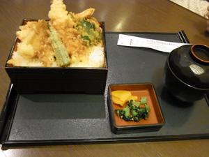 深川コスモタウン店20115