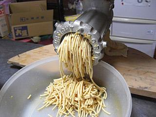 2010 11/10 味噌 大豆をつぶす
