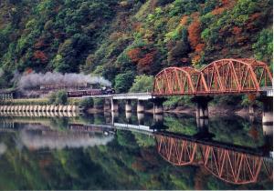 鉄橋を渡る只見線