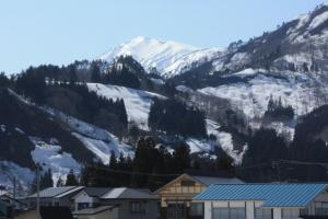 雪のまぶしい浅草岳