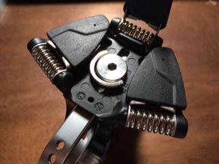 manfrottoの三脚のネジを代用