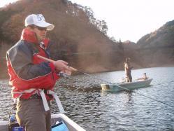 コピー (2) ~ 東山湖釣行 010