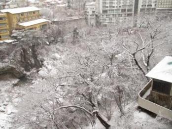 鬼怒川温泉 ホテル御苑の窓から1