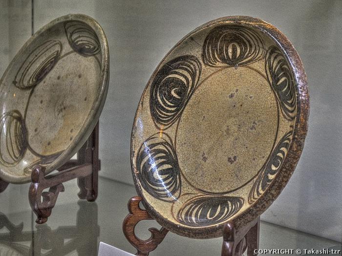 瀬戸馬の目皿(窯垣の小径資料館)