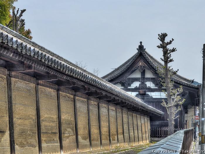 蓮華王院南大門,築地塀(太閣塀)