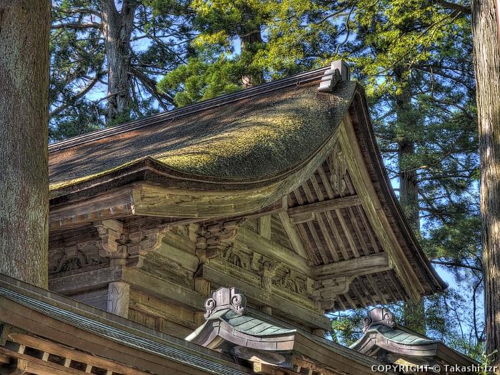 雄山神社前立社壇本殿