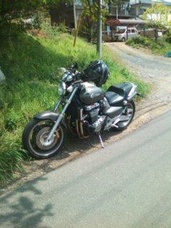 畑 バイク置き場