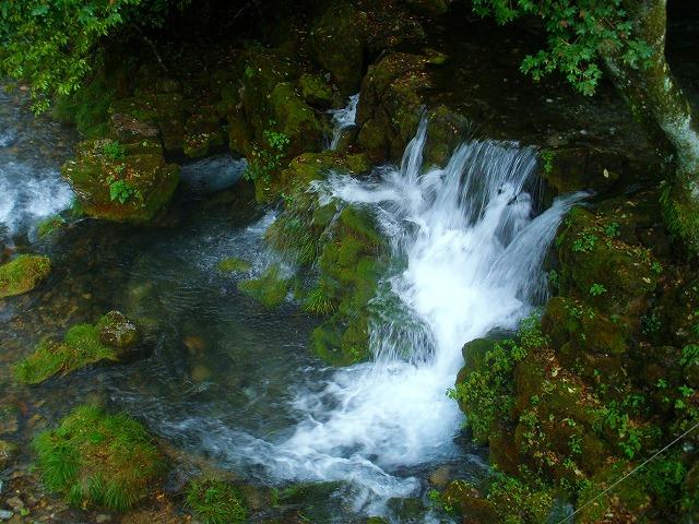 龍泉洞の滝