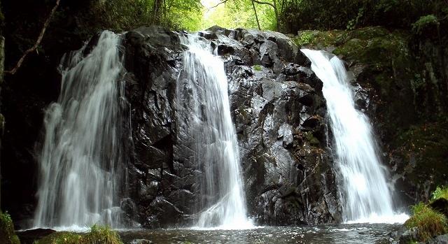 新里村 平片の滝