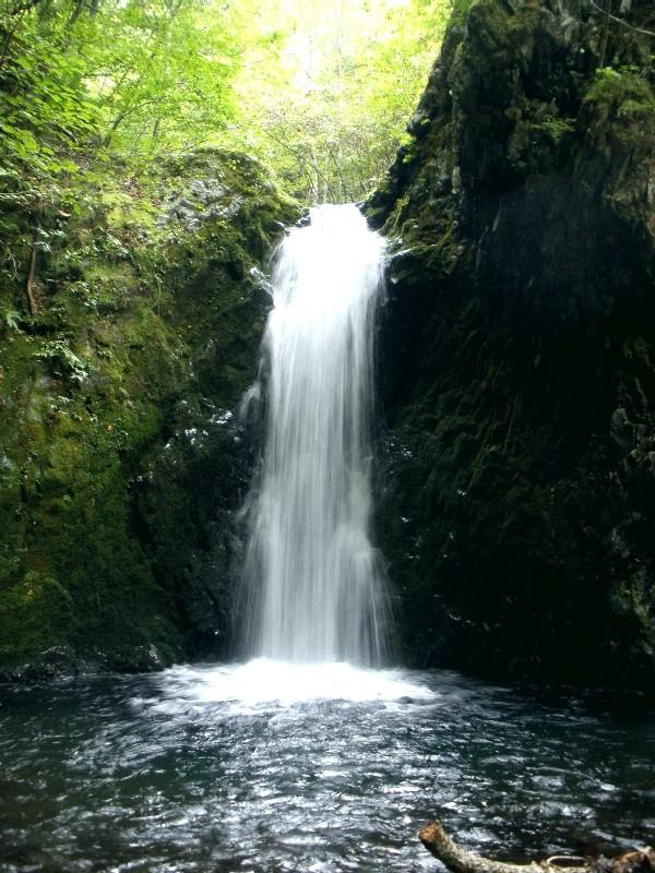 山田白糸の滝