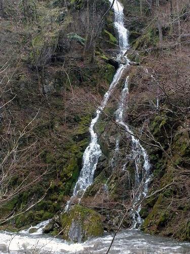 住田 人工の滝