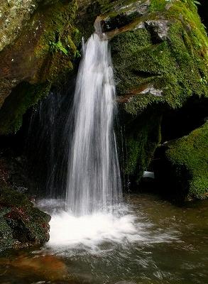 浪板不動の下の滝