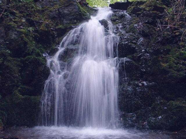大槌安瀬沢の滝