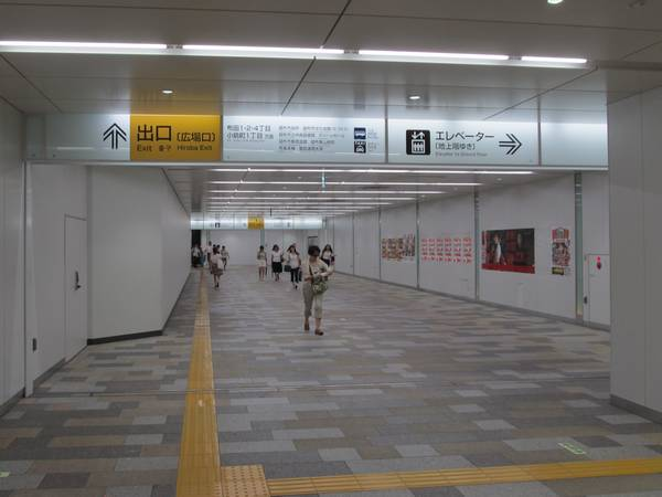 内装が本格的なものに作り変えられ、使用を再開した西側の地下1階フロア。