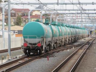 中央線から武蔵野線に直通する列車は2番線を通過する。