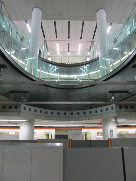 内側ホームの使用開始に向けた準備が完了した副都心線渋谷駅