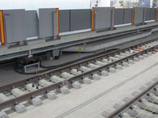 新4番線中央に新設された軌道回路境界。東京メトロ仕様の第6場内とORP開始の標識が併設されている。