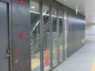 スペースのみ準備されていた階段・エスカレータも完成した。
