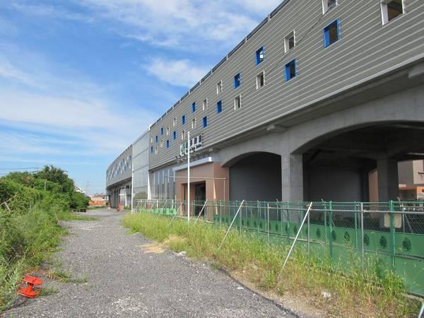 北口側は地上時代の仮設ホームや線路は全て撤去済み。