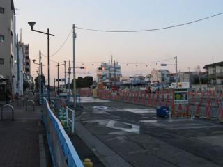 小竹向原駅側の作業帯はいよいよB線側の掘削が開始された。