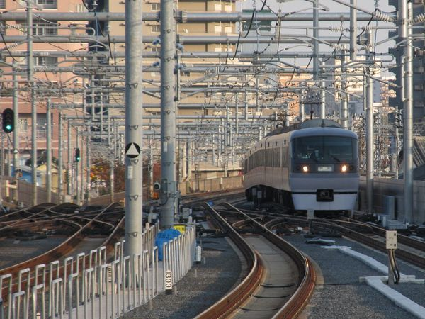 全方向の仕様が開始された石神井公園駅池袋方のポイント。