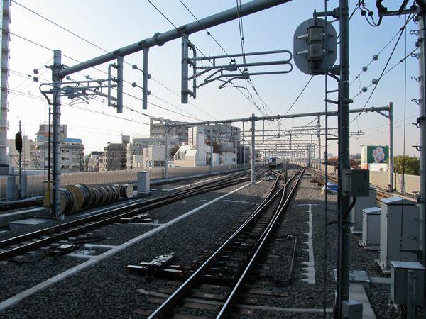 引上げ線が2本とも使用開始となった石神井公園駅の大泉学園方。
