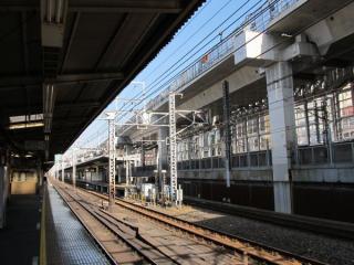 神田駅構内のPC桁の架設は完了している。