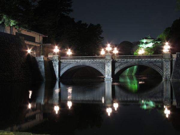 ライトアップされた二重橋(正門石橋)・伏見櫓