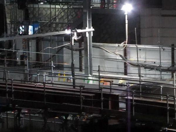 代官山駅に到着した上り試運転列車