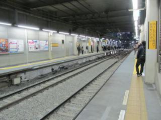 ホーム横浜寄りの渋谷トンネル内(切替後)