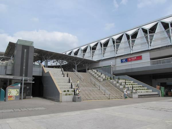 つくばエクスプレス・関東鉄道守谷駅(中央西口より)。