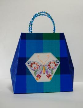 バッグ型の箱シルク