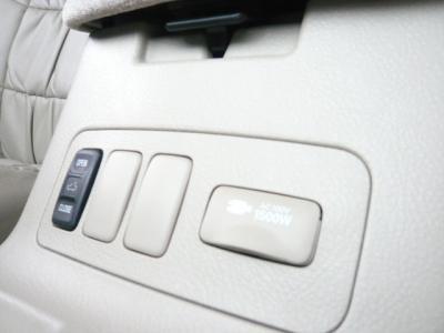 アルファード ハイブリッド 4WD HID Wサンルーフ キーレス 19インチ