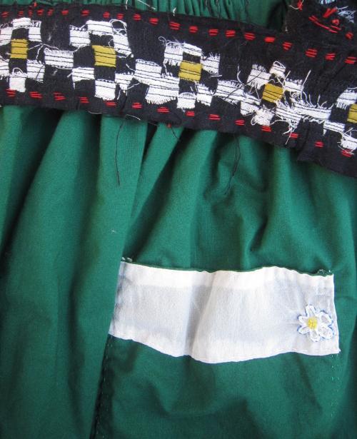 緑スカート2