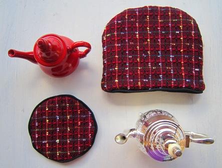 red tea cosy & mat 1