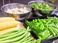 野菜準備中…