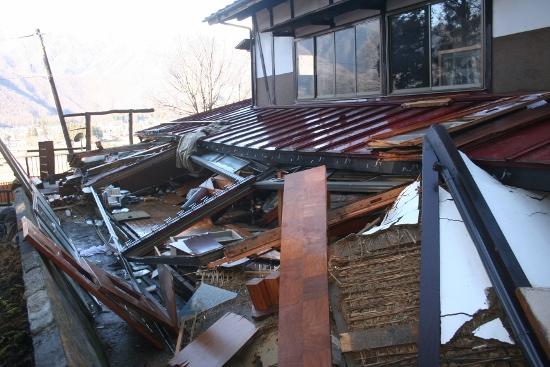 白馬大地震の我が家の状態10 (550x367)