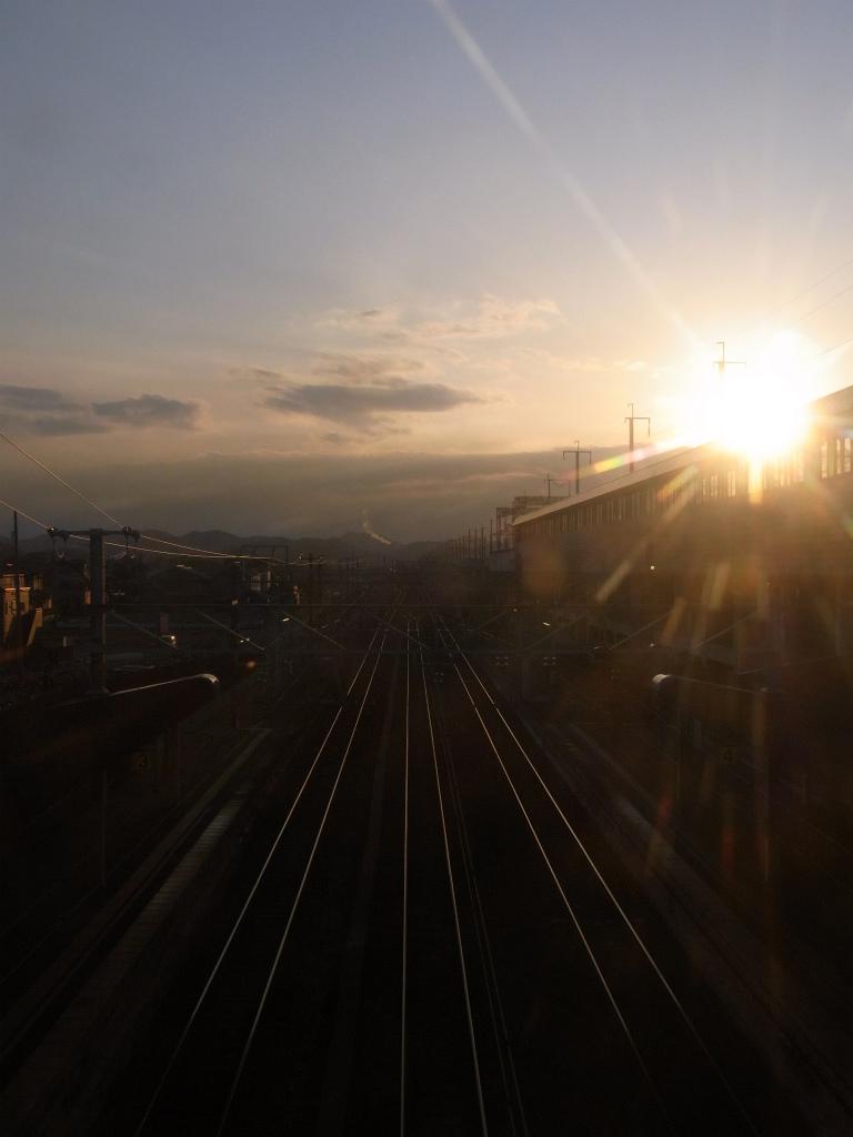 線路の夕日。