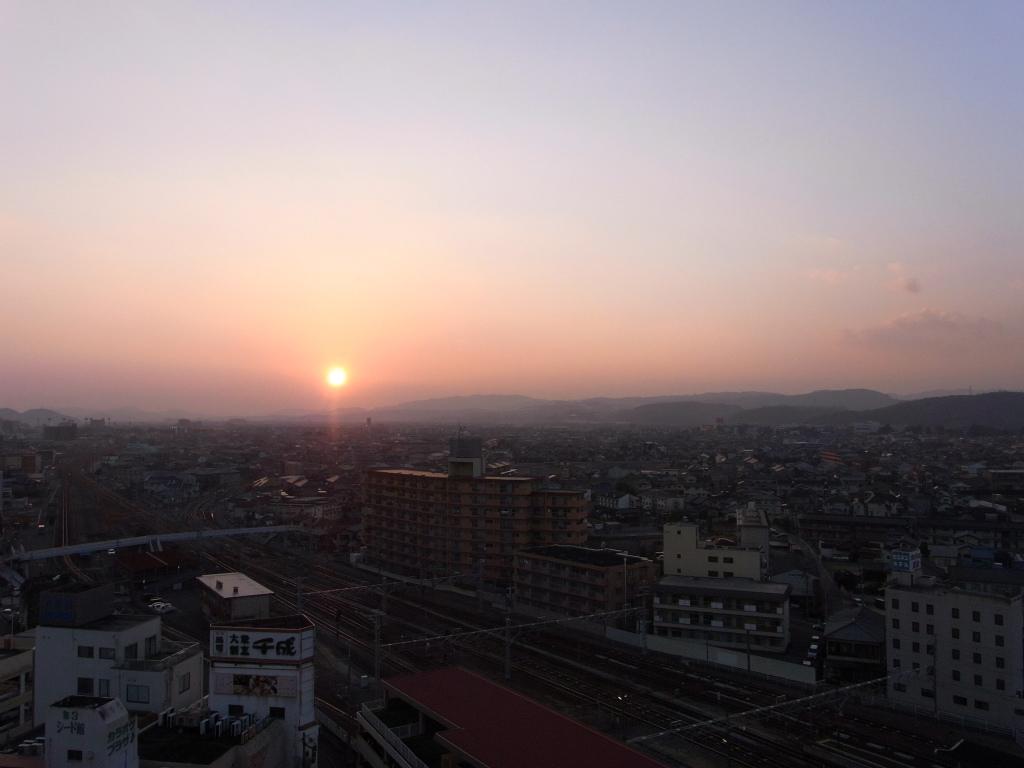 ホテルからの夕日。