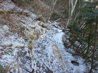 s03凍った道