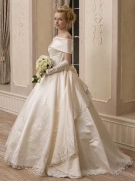 貴族風な感じのドレス「ロイヤル」